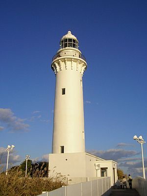 300px-Shioya-zaki_lighthouse_01